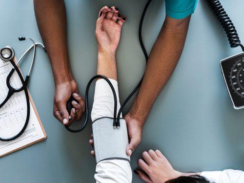 Como Obter Diplomas de Enfermagem Nos EUA